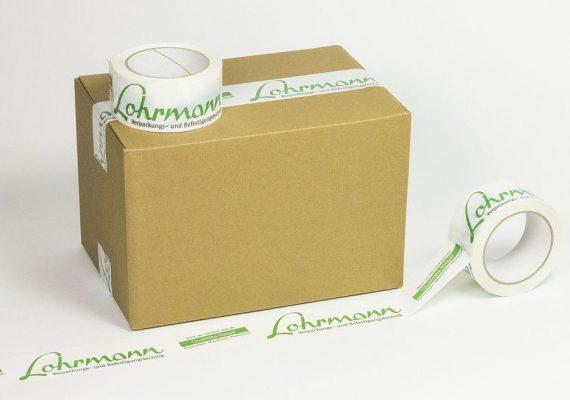 Karton mit Lohrmann bedrucktes Klebeband