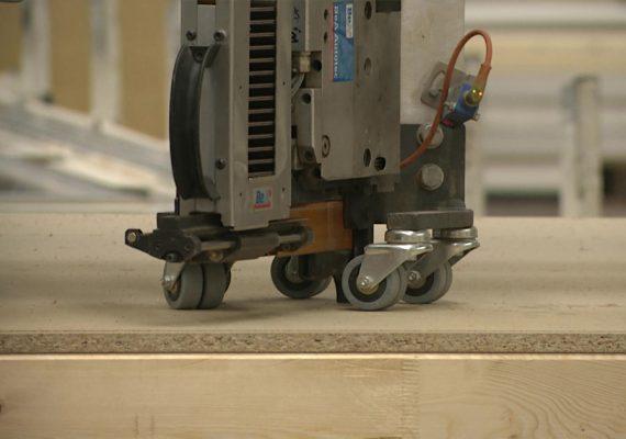 Modulgerät im Einsatz mit mittleren Klammern