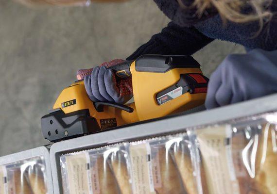 Strapex STB 71 umreift Kisten